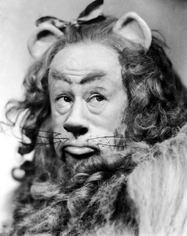 Stills-cowardly-lion-of-oz-19567406-1424-1800